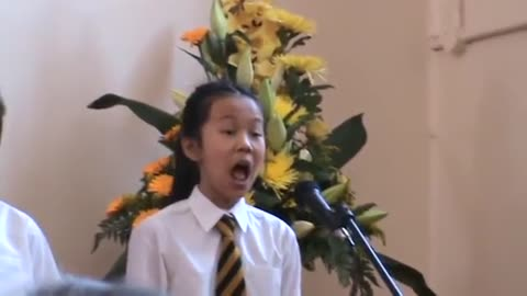 Girl Amazes Audience With Solo Performance Of  'Phantom of the Opera'
