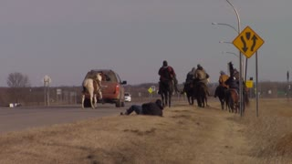Dakota Rider Thrown From Horse Without Injury - Video