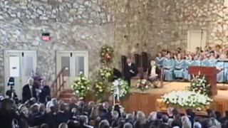 Billy Graham passes away at 99 - Video