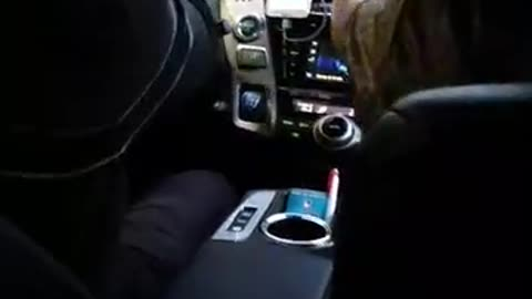 No Besos For Gross Taxi Driver