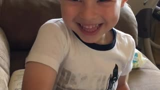 Toddler Sings 'What A Wonderful World' In A Raspy Voice - Video