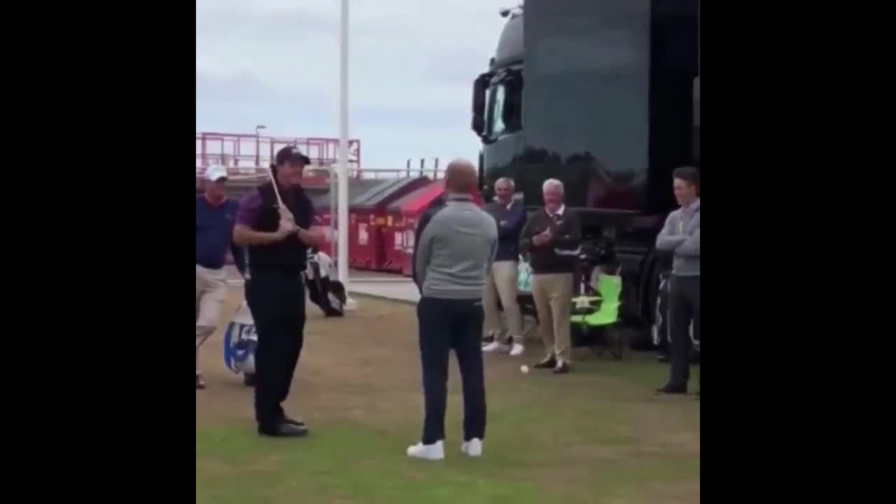 Golfer Phil Mickelson Performs Amazing Flop Shot Over Man's Head - Video