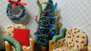Bug Videos for Kids | Worm Decorates The Christmas Tree