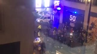 RAW: People flee after reports of a shooting in London - Video