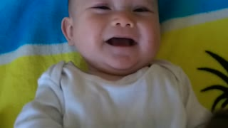 Little girl laughs with her mommy - Video