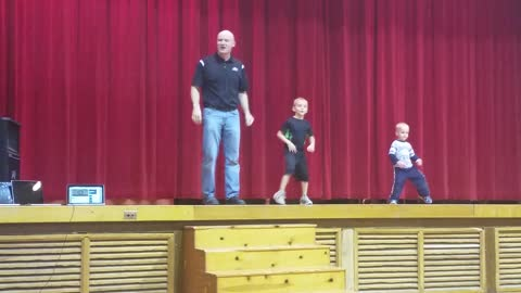 "Dad And Little Son's Dance To ""Uptown Funk"" For Talent Show"