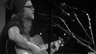 Allen Stone performs 'Unaware' at Hotel El Ganzo in Los Cabos - Video