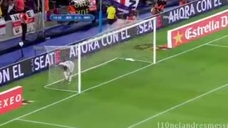 Messi and Iniesta against Real Madrid - Video