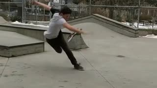 Split shirt skate grind board slips - Video