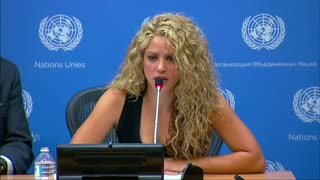 "Shakira says children should not ""pay the price of war"" - Video"