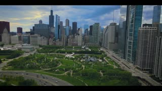 Jaw-dropping drone footage of beautiful Downtown Chicago