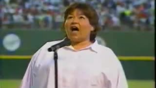 Roseanne singing the national anthem - Video