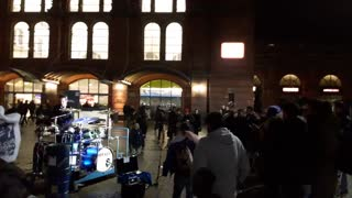 Drummer at Bremen main station (Germany) - Video