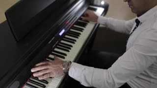 Pianist plays 23 notes per second: Part 2 - Video