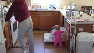 9 Kids Who Love Spring Cleaning - Video