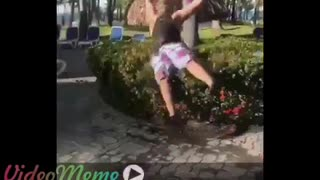 Bush jump when you're stuck with side chick - Video