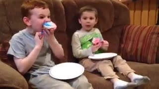 Gender reveal takes unexpected turn - Video
