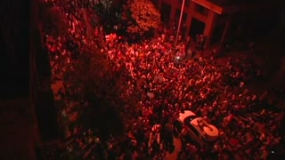 Thousands rally in Beirut against political leaders - Video