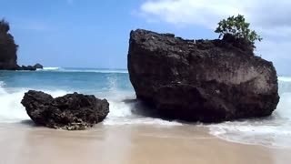 Padang Padang Beach - Bali, Indonesia - Video
