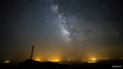 Jaw-dropping Milky Way time lapse captured over Spain