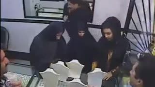 Caught on Camera: Woman Caught Stealing in a Jewellery Shop - Video