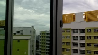 Strange unexplained sounds heard in Singapore - Video