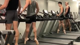 How ballet dancers work out