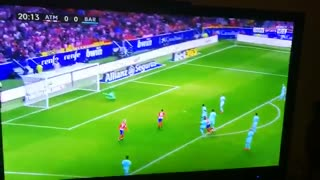 Golazo de Saul vs Barcelona - Video
