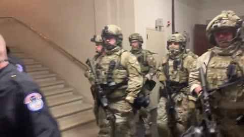 Heavily armed FBI SWAT enter Capitol Hill