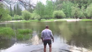Crossing a lake in the Yosemite National Park - Video