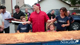 World's longest Calzone - 38 Feet! - Video