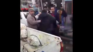 Iran's vendors battle the streets to survive - Video