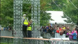Meccano bridge sets world record - Video