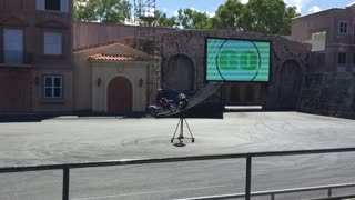 Warner Bros Movie World car show Accident - Video