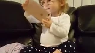 Toddler attempting to Nae Nae - Video