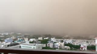 Massive dust storm captured on camera in India