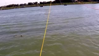 Wake boarding at 20mph for the first time: fail - Video