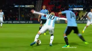 VIDEO: Leo Messi amazing nutmeg vs Uruguay player