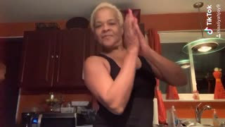 Aaliyah with her mother & grandmother dancing