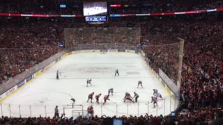 Crowd reacts to Canadian hockey championship in final seconds - Video