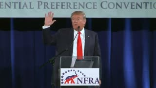 Trump defends the Tea Party - Video