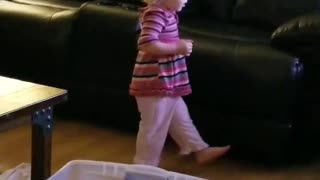Baby Girl dancing to Happy and You Know It  - Video