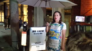 Actress Jennifer Tilly chats with paparazzi outside Beverly Hills restaurant - Video