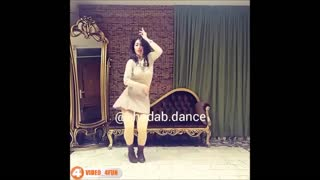 Persian girl dancing to Mohsen Yeganeh song - Video