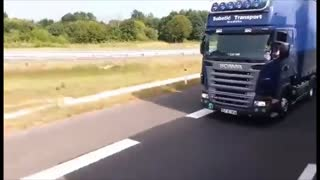 Insane truck speeds on the highway - Video