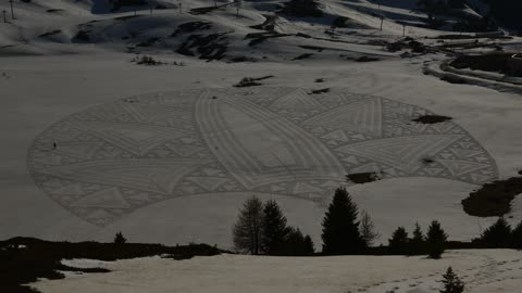 Snow Artist Makes The Most Astonishing Snow Drawings
