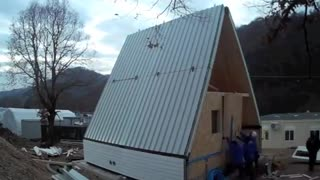 This Innovative Home Takes Six Hours To Build - Video