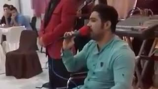 Mojtaba Forghani, the wrestler, singing a song - Video
