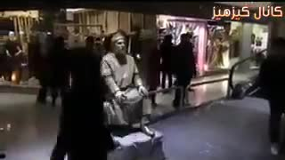 Living statue prank in a shopping centre in Mashhad ,Iran - Video