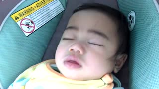 Mom Puts Baby to Sleep in Car  - Video